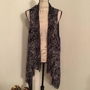 Leaf print draped front Vest